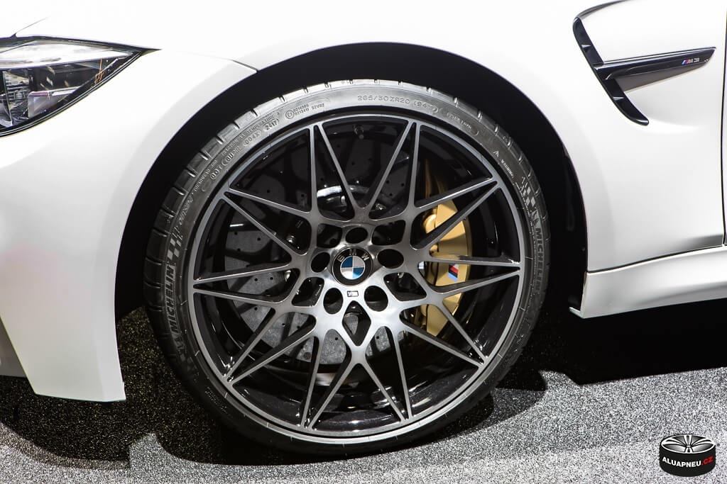 Alu kola Bmw M3 - original Bmw wheels