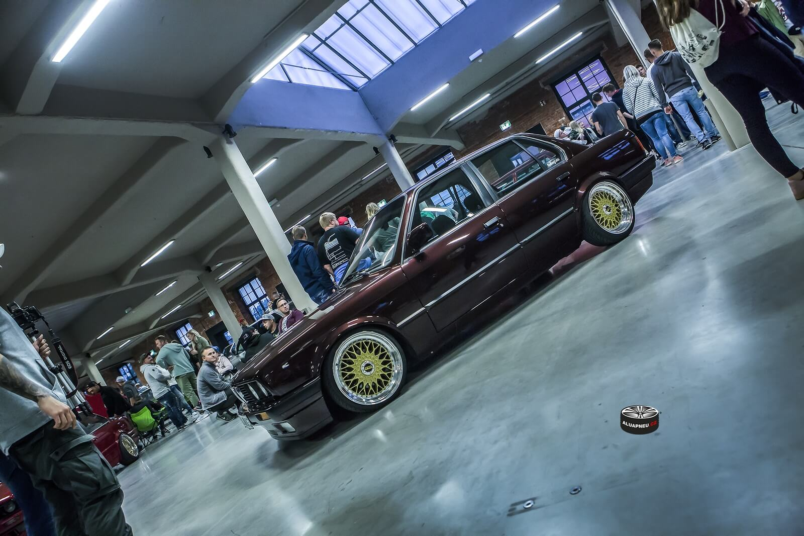 Zlatá alu kola BMW BBS e30 Xs Car Night Tuning Dresden